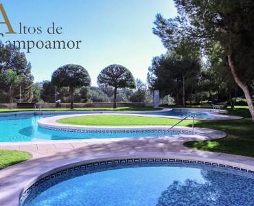 03-бассейн высокий Кампоамор